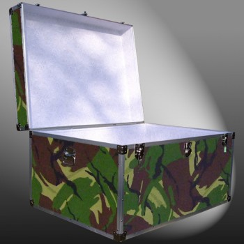 01-182 JCE JUNGLE CAMO Super Jumbo Storage Trunk with Alloy Trim