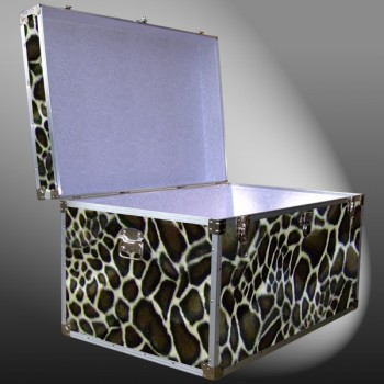 03-213 GE FAUX GIRAFFE King Storage Trunk with Alloy Trim