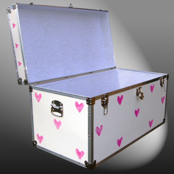 05-182 E CREAM & HEARTS WOOD WASH 36 Deep Storage Trunk with Alloy Trim
