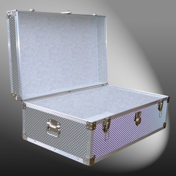 09-189 EMBE EMBOSSED 30 Cabin Storage Trunk with Alloy Trim