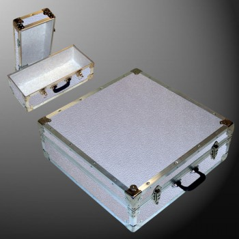 19-076 AE ALLOY CD 200 Storage Trunk with Alloy Trim